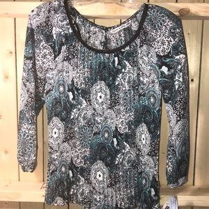 New Signature by Larry Levine blouse small